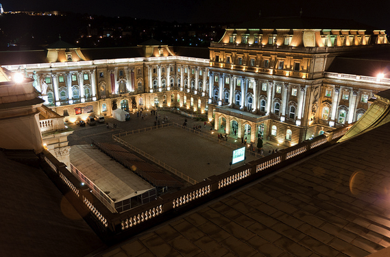 Courtyards of the Buda Castle on the Night of the Museums, Budapest - photo by redteam